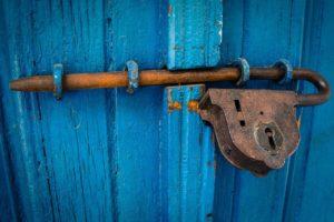 Article Une porte à ouvrir, une âme à réveiller Claire MAUNIE DEBIN Académie des Eclaireurs